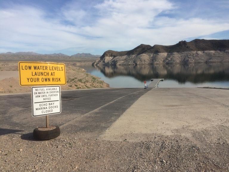 Lake Mead. Bathtub ring